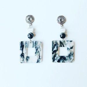 Jewelry - Lucite earrings